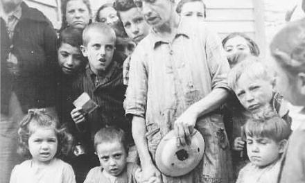 """Παραμονές Χριστουγέννων και Πρωτοχρονιάς στην κατοχική Ελλάδα του 1941…από το ημερολόγιο """"Φύλλα κατοχής"""""""