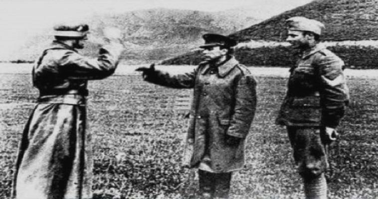 Δημήτρης Ίτσιος. Ο λοχίας που σταμάτησε την γερμανική επέλαση με πέντε άντρες. Εξολόθρευσε από το πολυβολείο πάνω από 250 στρατιώτες της Βέρμαχτ..